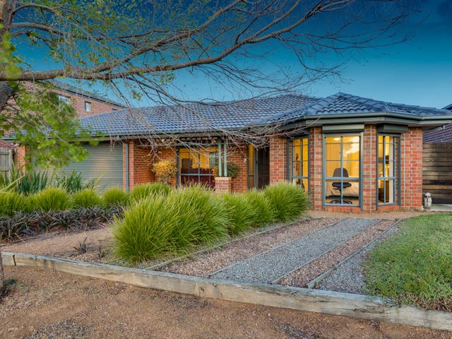 18 Shearwater Court, Taylors Hill, Vic 3037