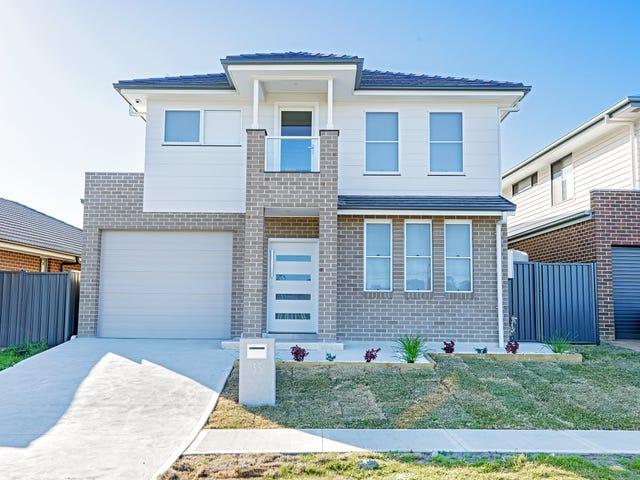 33 Sawsedge Avenue, Denham Court, NSW 2565