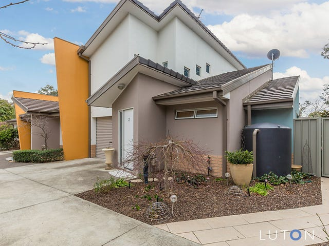2/10 Wall  Place, Page, ACT 2614