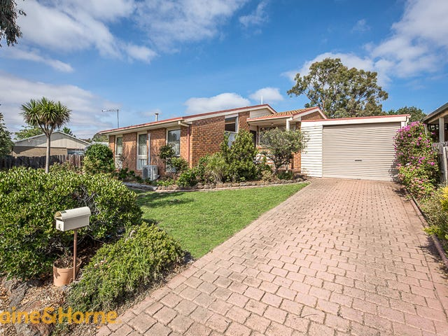 4 May Grove, Sunbury, Vic 3429