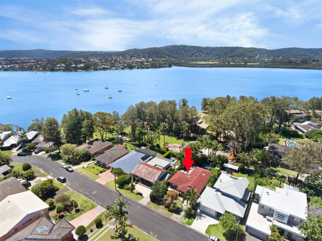 10 Asca Drive, Green Point, NSW 2251