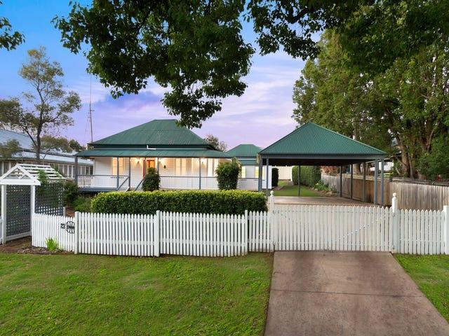 23 Moloney Street, North Toowoomba, Qld 4350