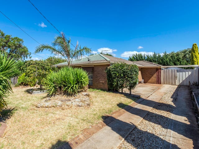 34 Lachlan Road, Melton South, Vic 3338