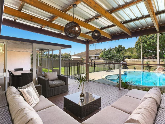 6 Barklya Place, Palm Beach, Qld 4221
