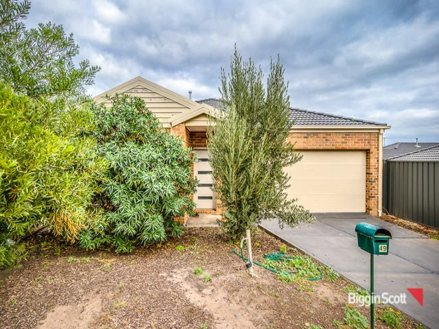 49 Clearwater Rise Parade, Truganina, Vic 3029