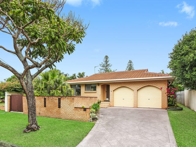 10 Poinciana Boulevard, Broadbeach Waters, Qld 4218
