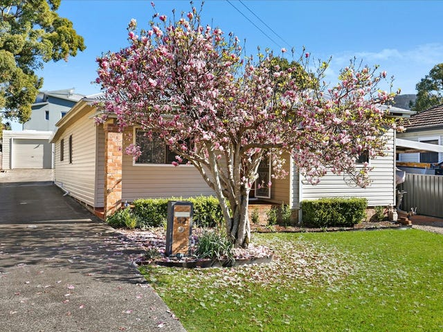 52 Gilmore Street, West Wollongong, NSW 2500