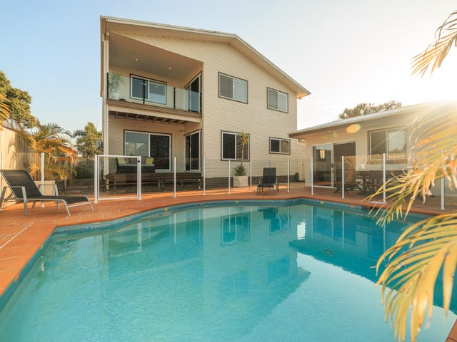 12 Boongala Road, Broadbeach Waters, Qld 4218