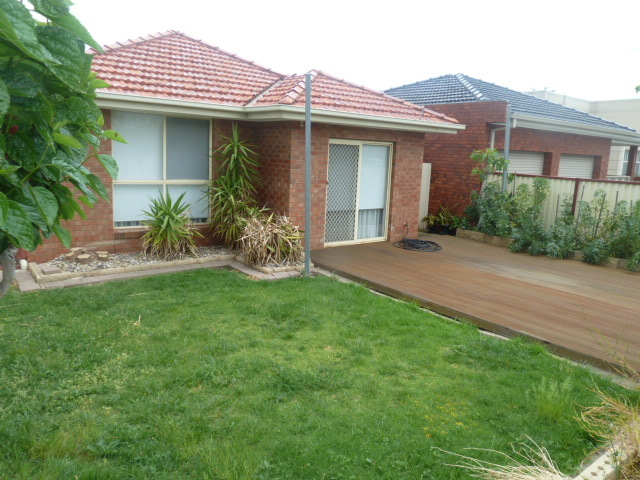 1/19 Amis Cres, Avondale Heights, Vic 3034