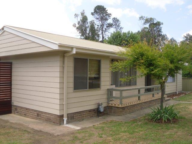 19 Bendooley Street, Welby, NSW 2575