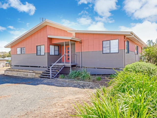 10 Tea Tree Court, Gowrie Junction, Qld 4352