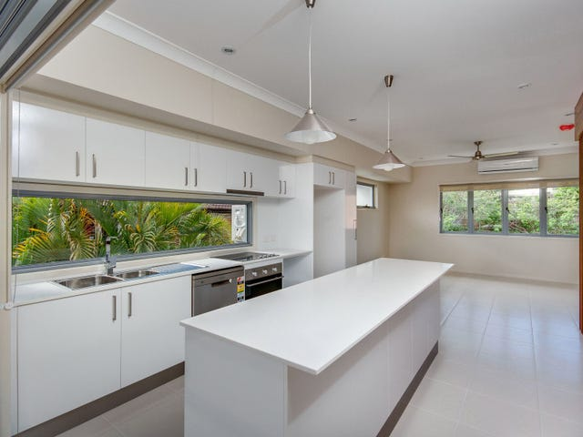 2/3 Curwen Tce, Chermside, Qld 4032