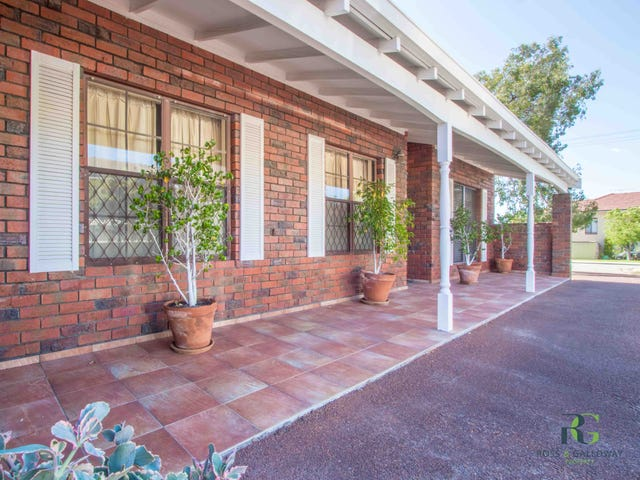 1/7 Bridges Road, Melville, WA 6156