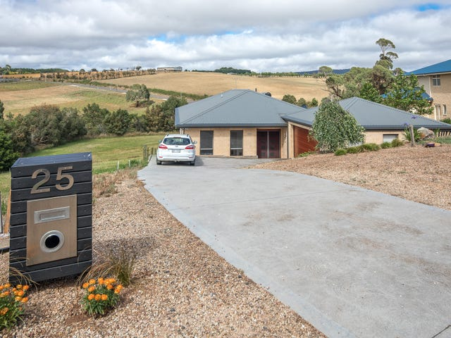 25 Drovers Retreat, Romsey, Vic 3434
