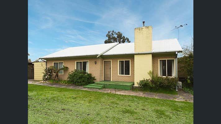 8 Hampden Road Mount Barker SA 5251 - Image 1