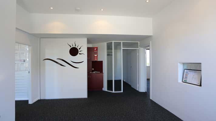 1/2 Scott St Newcastle East NSW 2300 - Image 2