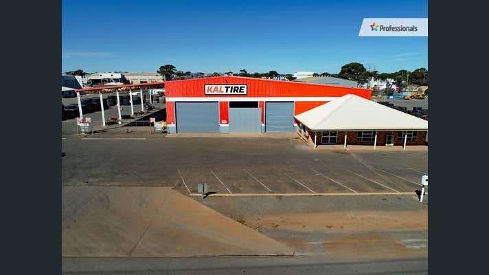 77 Craig Road West Kalgoorlie WA 6430 - Image 1