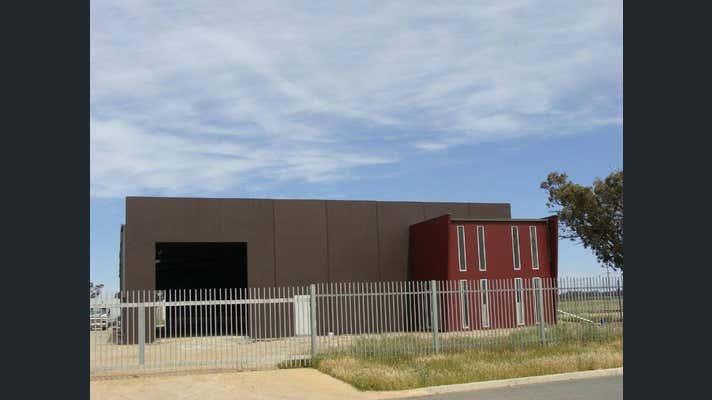 1 Lawry Road Moama NSW 2731 - Image 2