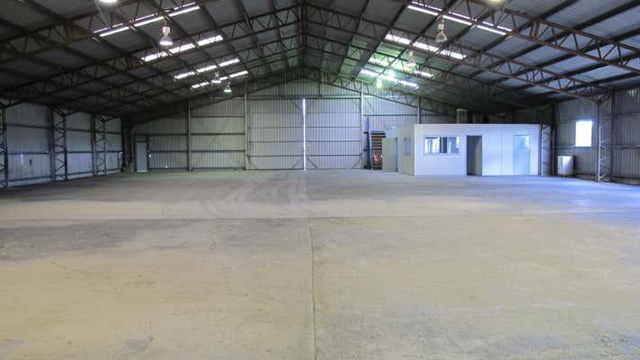 667 Lores Bonney Drive Archerfield QLD 4108 - Image 1
