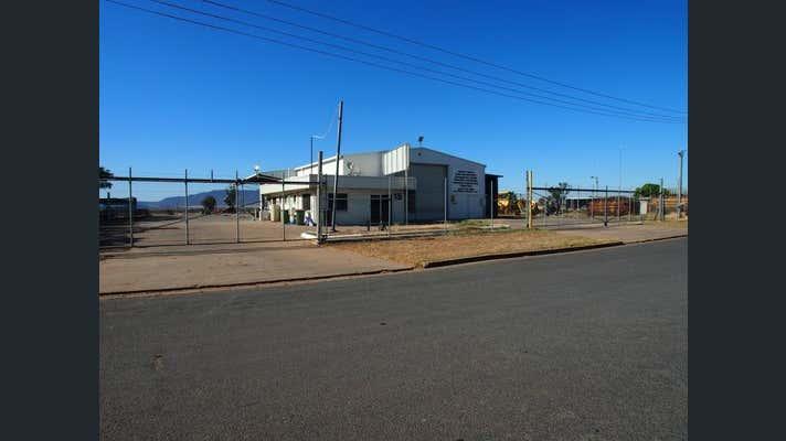 15 Jarrah Street Blackwater QLD 4717 - Image 1