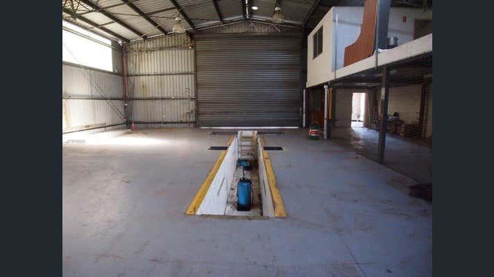 15 Jarrah Street Blackwater QLD 4717 - Image 2