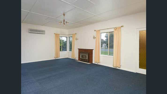 8 Hampden Road Mount Barker SA 5251 - Image 2