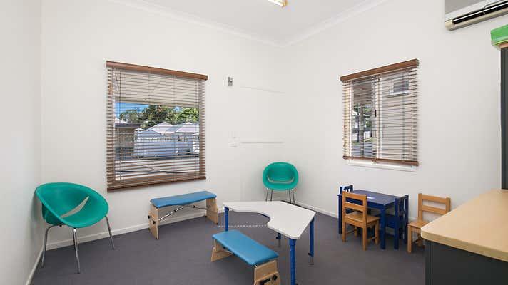 126 Mcilwraith Avenue Norman Park QLD 4170 - Image 2