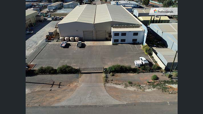 21 Hunter Street West Kalgoorlie WA 6430 - Image 1