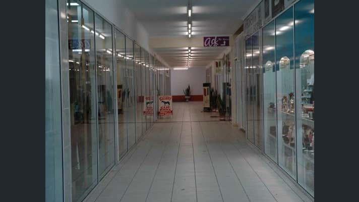 7/133 Bourbong Street Bundaberg Central QLD 4670 - Image 2