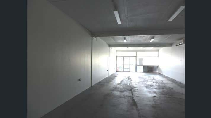 Shop 7, 400 Dean Street Frenchville QLD 4701 - Image 2