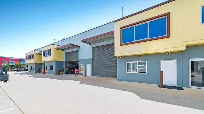 3/20 Bluett Drive Smeaton Grange NSW 2567 - Image 1