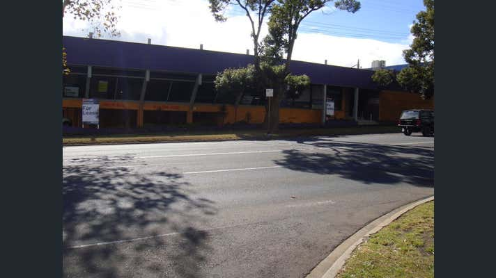215 James Street South Toowoomba QLD 4350 - Image 2