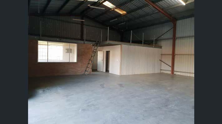 2/5 Bowen Crescent West Gosford NSW 2250 - Image 3