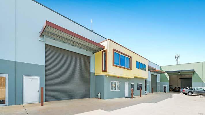 3/20 Bluett Drive Smeaton Grange NSW 2567 - Image 4