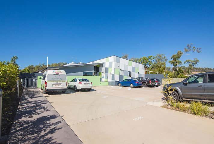 6 Corimba Parade Boyne Island QLD 4680 - Image 1