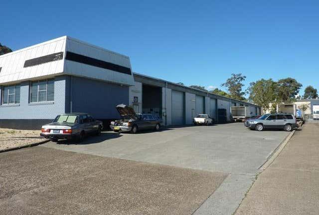 Bay 2/4 Coolabah Drive Taree NSW 2430 - Image 1