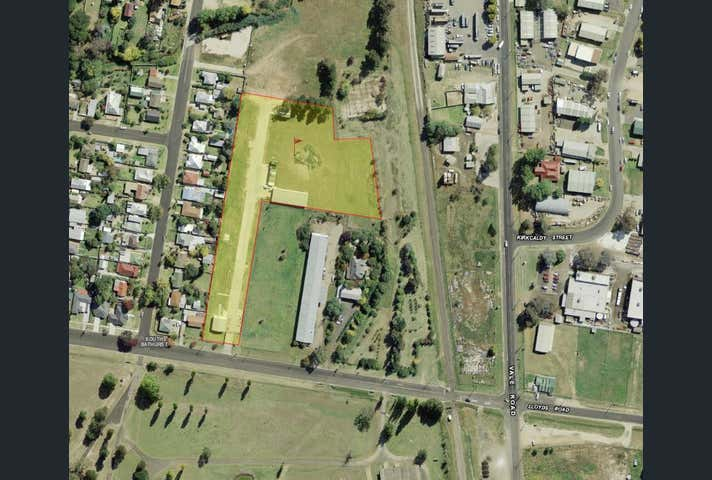 11 Lloyds Road Bathurst NSW 2795 - Image 1