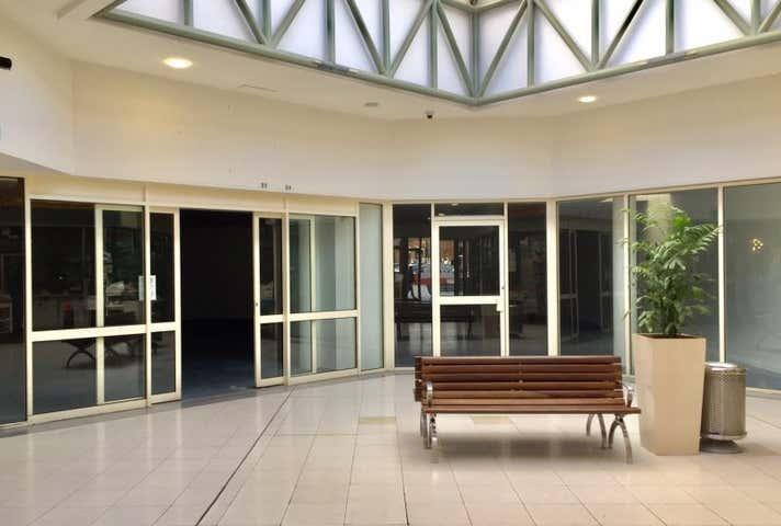 Gisborne Village Shopping Centre , 20-24, 22 Brantome Street Gisborne VIC 3437 - Image 1