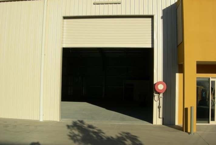 2/21 Southern Cross Circuit Urangan QLD 4655 - Image 1