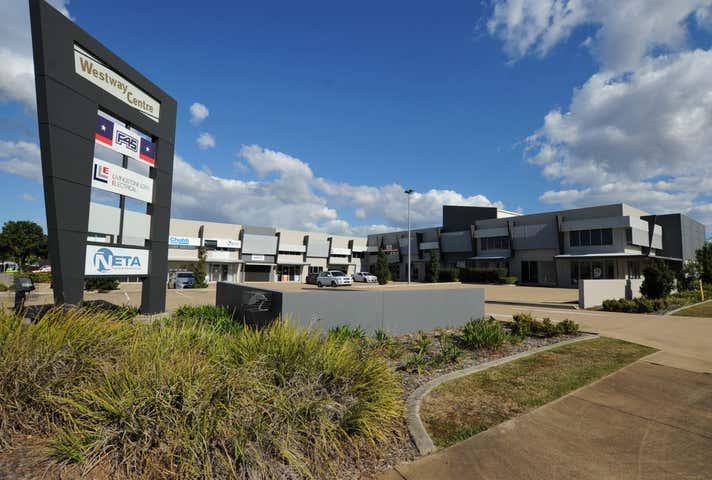 2/6 Phoebe Court Kensington QLD 4670 - Image 1