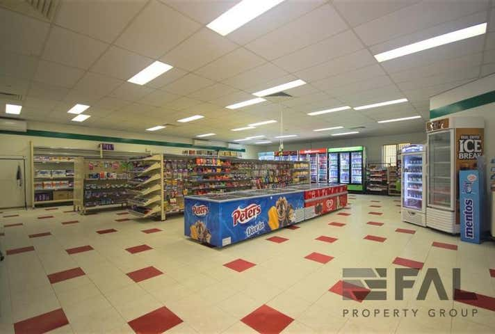 Shop  4B, 2 Kirkdale Road Chapel Hill QLD 4069 - Image 1