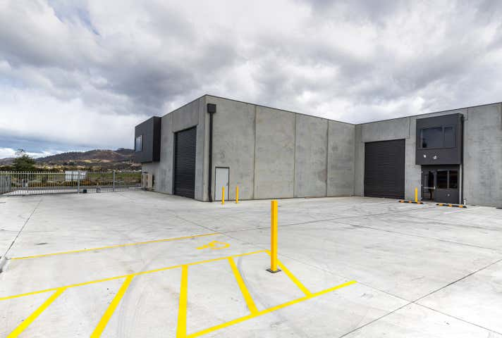 Unit 3, 205  Kennedy Drive Cambridge TAS 7170 - Image 1