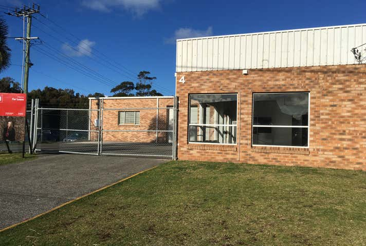 4 Woolworths Avenue Warilla NSW 2528 - Image 1