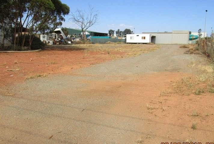 28 Cunningham Drive West Kalgoorlie WA 6430 - Image 1