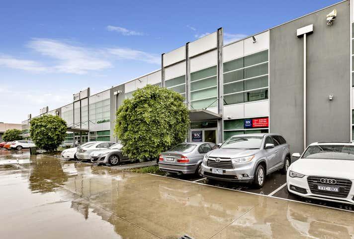 15/3 Westside Avenue Port Melbourne VIC 3207 - Image 1