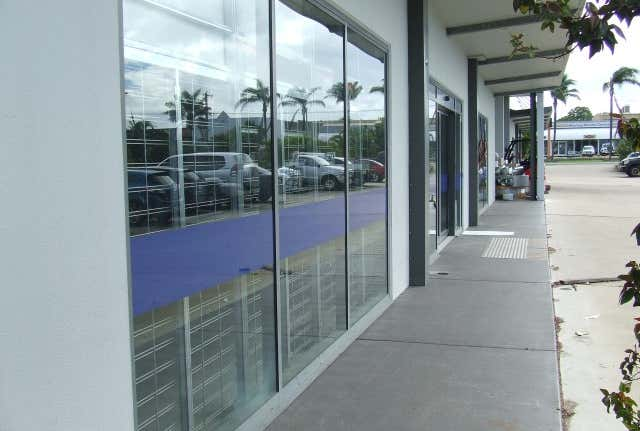 2/124 Beach Road Pialba QLD 4655 - Image 1
