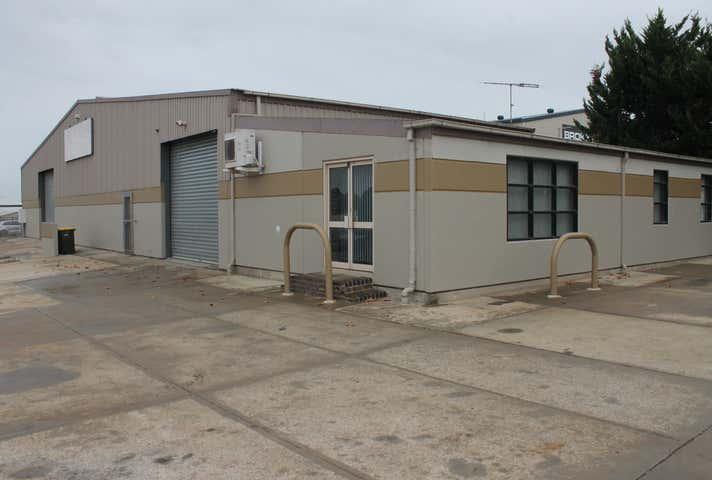 7 Boulder Court Morphett Vale SA 5162 - Image 1