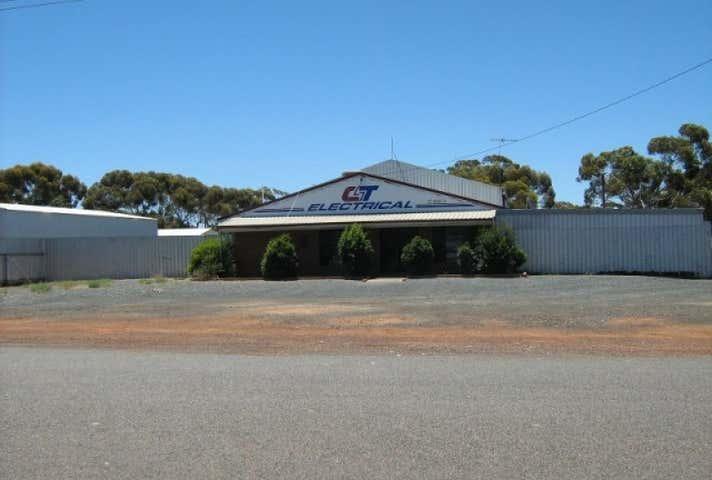 15 Clianthus Road Kambalda West WA 6442 - Image 1