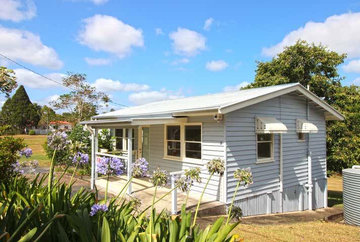 9 Myrtle Street Maleny QLD 4552 - Image 1