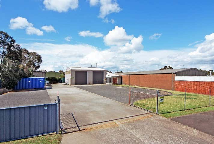 15 Geary Place North Nowra NSW 2541 - Image 1